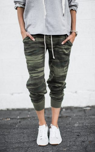 camo_joggers_styled_use_3
